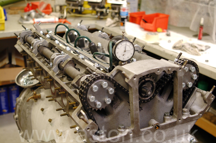 Timing the camshafts using dial gauges